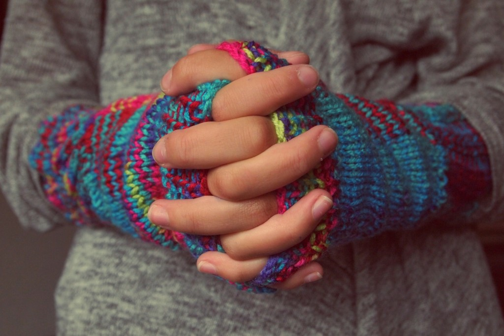 folded-hands-987629_1920